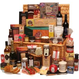 Under The Mistletoe Christmas Hamper