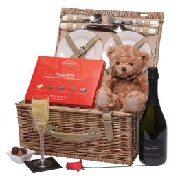 Romantic Teddy Bears Picnic Hamper