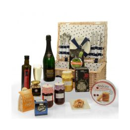 Ultimate Signature Gourmet Picnic Hamper Hamper