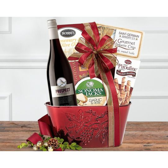 Pinot Noir Christmas Basket Hamper