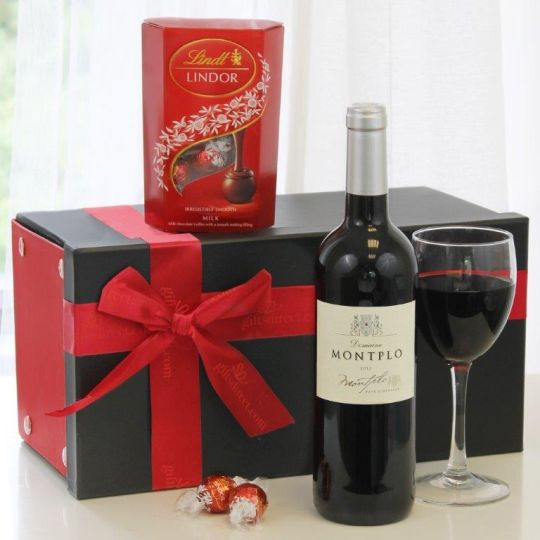 Fine Red Wine & Lindor Hamper