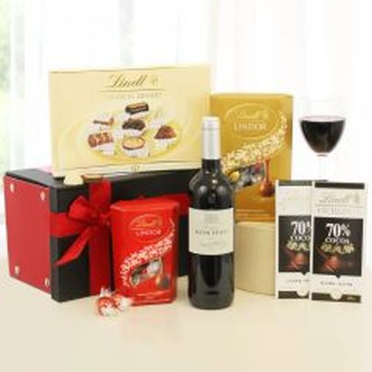 Lindt and Red Wine Hamper