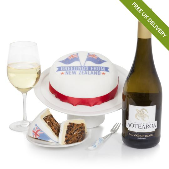 New Zealand Cake & Wine Hamper Hamper