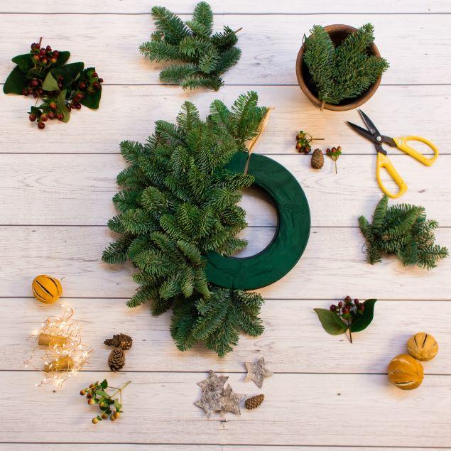 Create Your Own Christmas Wreath Kit Hamper