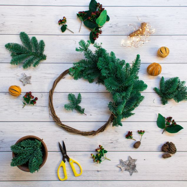 Create Your Own Eco Christmas Wreath Kit Hamper