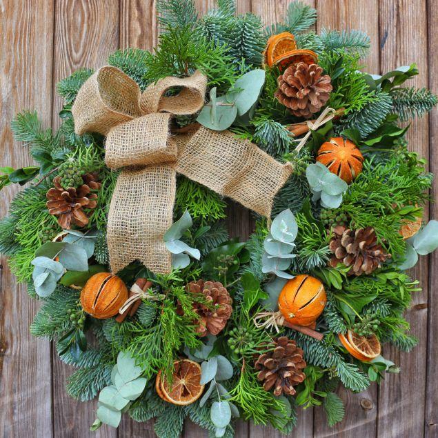 Traditional Spruce Wreath Hamper