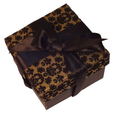 Truffle Chocolates in Presentation Box (18) 210g